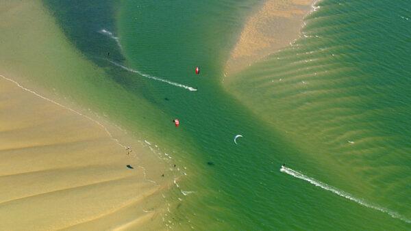 Die Nordsee von oben, Kitesurfer, ein Film von Silke Schranz und Christian Wüstenberg